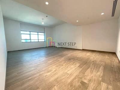 شقة 2 غرفة نوم للايجار في البطين، أبوظبي - Hot Offer! Brand New 2BR with Maidsroom Plus Sea View & All Facilities