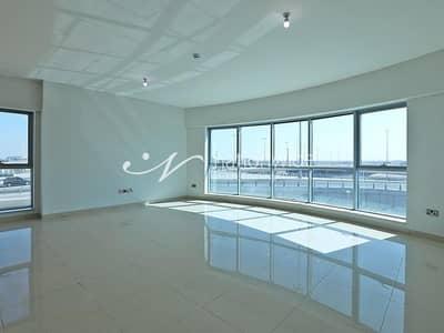 شقة 4 غرف نوم للايجار في شاطئ الراحة، أبوظبي - Brand New Duplex with Balcony and Facilities