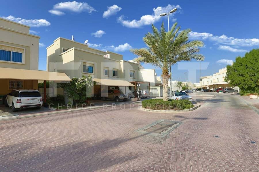 Great Location! Single Row Villa. Call us!