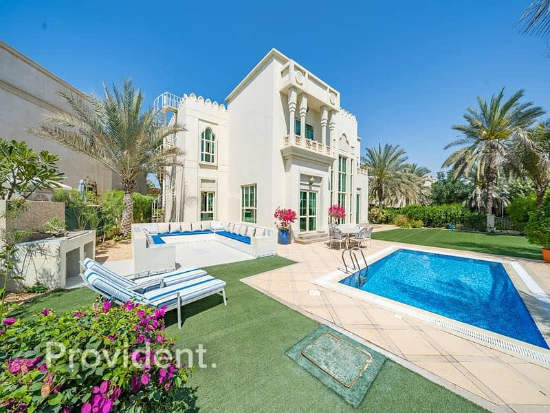 2 A Spectacular Fully Upgraded Home Awaits for You