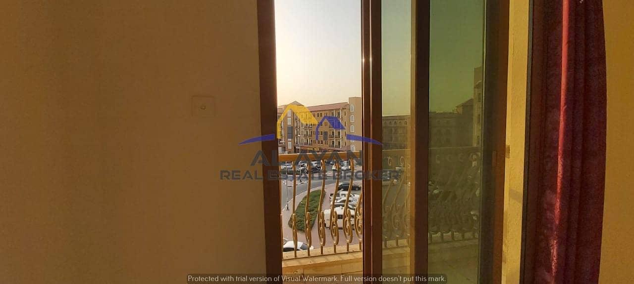 شقة في الحي الإسباني المدينة العالمية 1 غرف 315000 درهم - 5008123