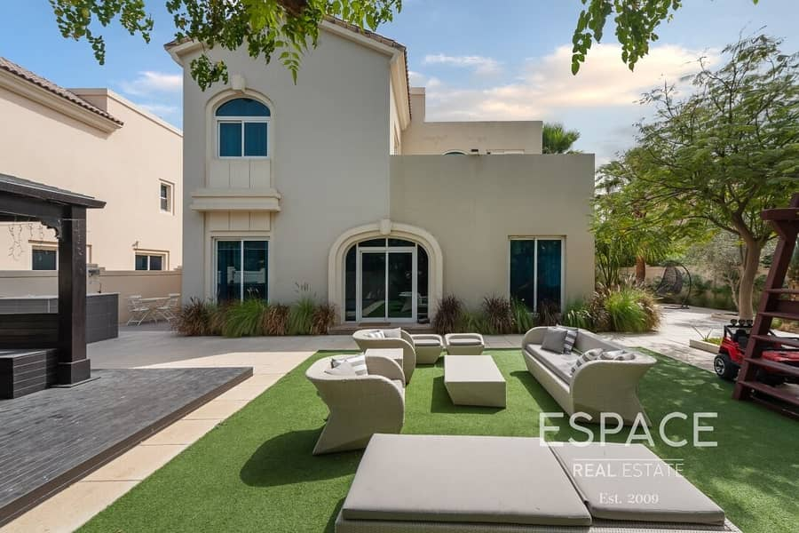 Exclusive Upgraded an Extended 5BR Villa