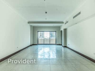 شقة 2 غرفة نوم للبيع في نخلة جميرا، دبي - Well Maintained | Vacant on Transfer | C Layout