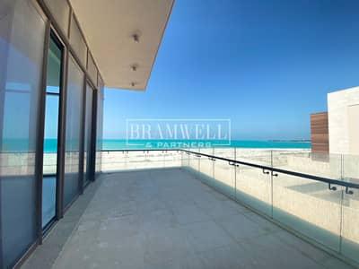 فیلا 7 غرف نوم للبيع في جزيرة السعديات، أبوظبي - Huge Plot Special Design With Basement - Open Sea!
