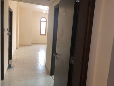شقة في المدينة العالمية 1 غرف 25000 درهم - 4804293