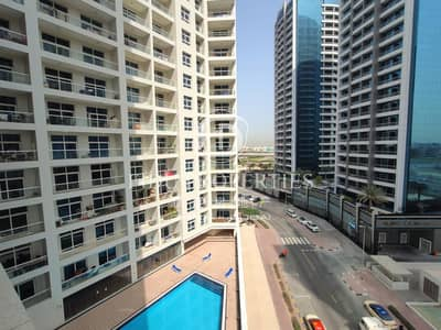 3 Bedroom Apartment for Sale in Barsha Heights (Tecom), Dubai - Huge layout | Mid floor | Pool and Community view