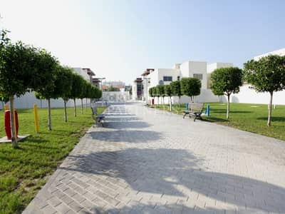 فیلا 4 غرف نوم للايجار في الطريق الشرقي، أبوظبي - Elegant Exclusive|Private Pool|Great Facilities