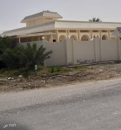 5 Bedroom Villa for Sale in Umm Al Quwain Marina, Umm Al Quwain - Amazing Offer . . . . ! Five (5) Bedrooms Villa Available For Sale   Umm Al Quwain