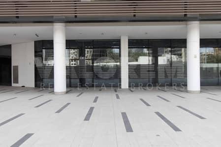 محل تجاري  للايجار في الخليج التجاري، دبي - PERFECT FOR CAFE & RESTAURANT   HUGE OUTSIDE AREA