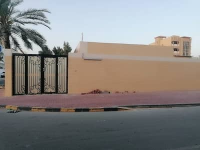 4 Bedroom Villa for Rent in Al Nuaimiya, Ajman - we offer very good deal with very good price in al nuaimiya 2 area villa for rent the villa have very beautiful decorati