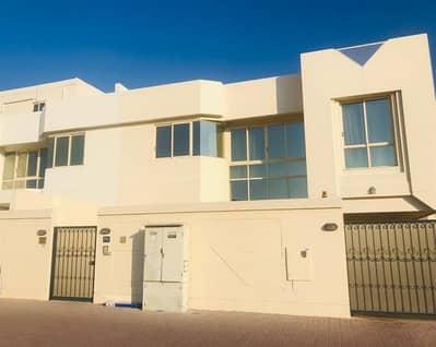 5 Bedroom Villa for Rent in Jumeirah, Dubai - Excellent 5 bedroom villa with private garden jumeirah 2