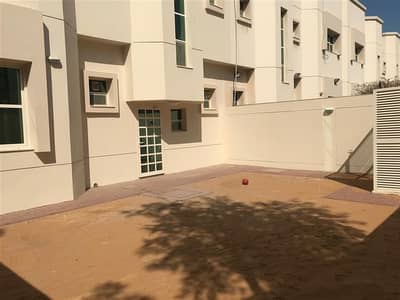Fully renovated 3 bedroom villa with [pvt garden in Jumeirah 1, One month free