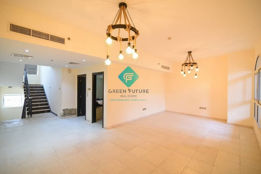 Pool Facing Duplex   3 BR Duplex with Maid Room   Fully  Upgraded   2 Jyms