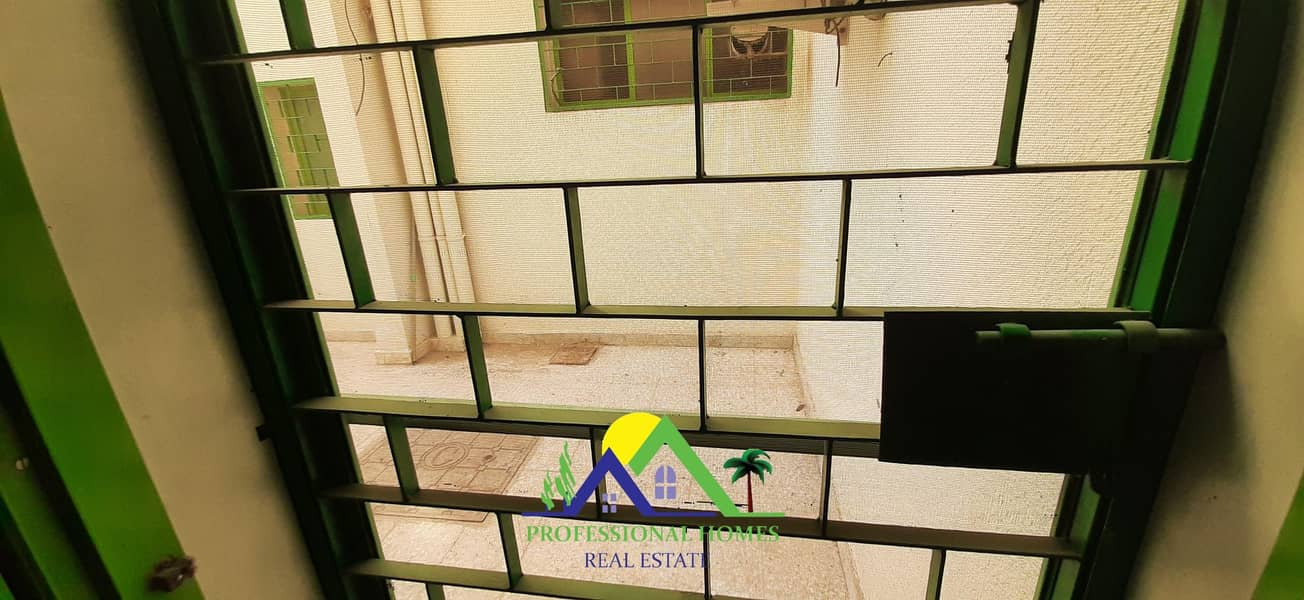 41 Private entrance 4bedrooms with majlis near jaheli School