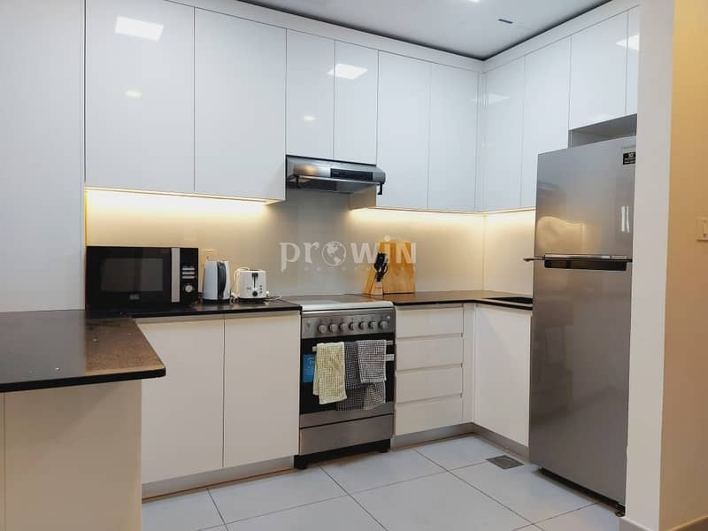 16 Modern Spacious Luxury 1 BR Apt | Prime Location | Closed kitchen !!!!