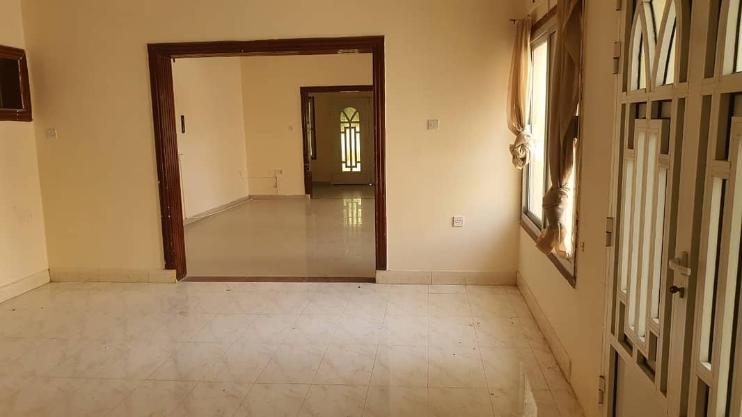 big villa for rent - prime location