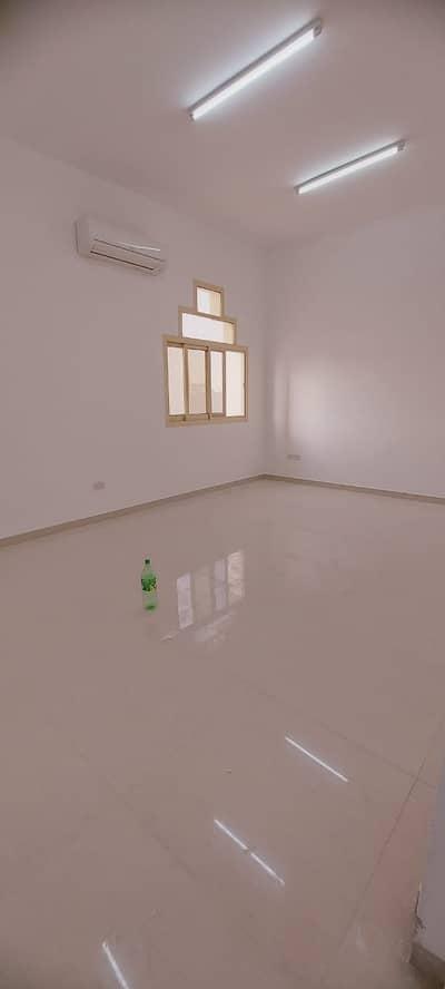Luxurious 3 Bedroom Majlis Apartment in Villa For Rent at Al Shamkha