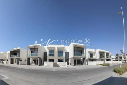2 Bedroom Villa for Sale in Yas Island, Abu Dhabi - A Brand New Family Home with Spacious Layout