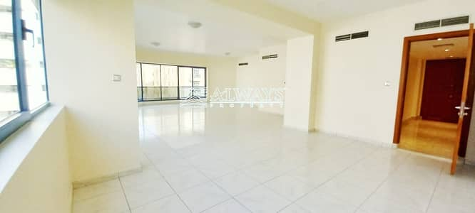 4 Bedroom Flat for Rent in Bur Dubai, Dubai - Super Large 4BR + Maid |  Water Included | Gorgeous and Clean