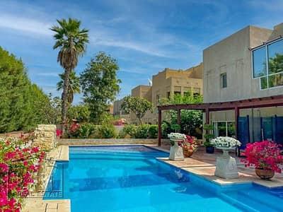 5 Bedroom Villa for Sale in The Lakes, Dubai - Stunning - Huge plot - Incredible Views - Custom layout