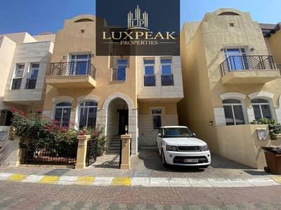 فیلا 5 غرف نوم للبيع في القرم، أبوظبي - Specious 5 bed Room Villa Plus Maid