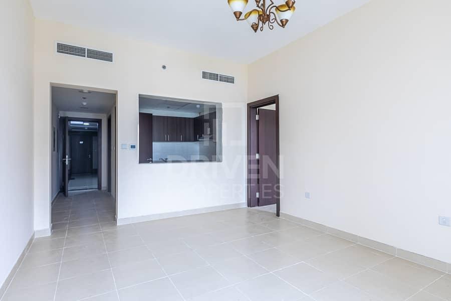 2 High Floor   Vacant   Brad New Apartment