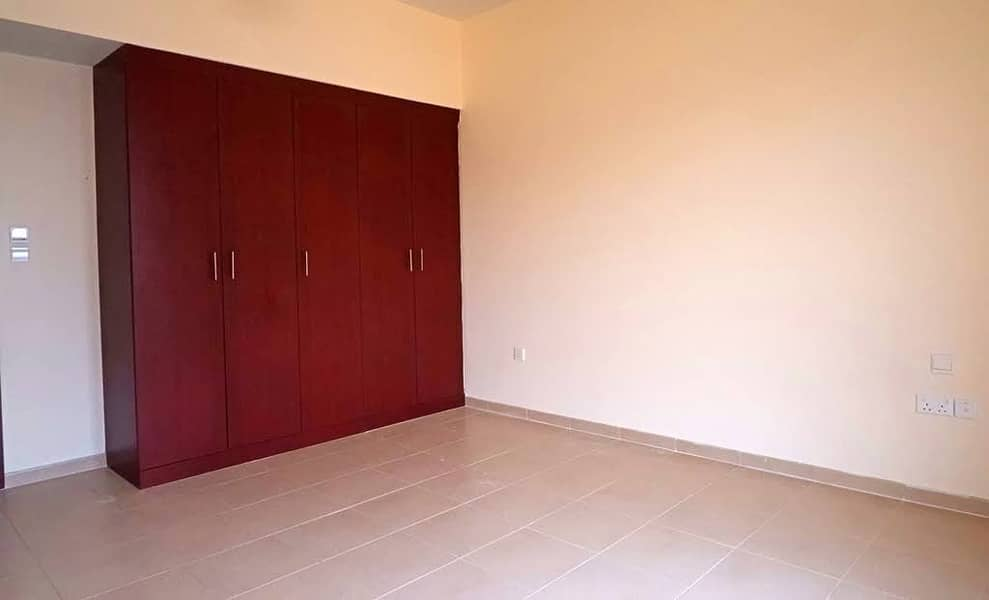JBR 3Bedrooms for rent low floor Available