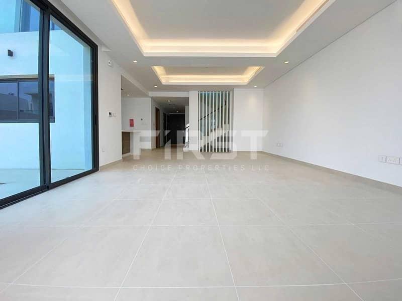 2 Luxurious Design | Spacious Modern Living