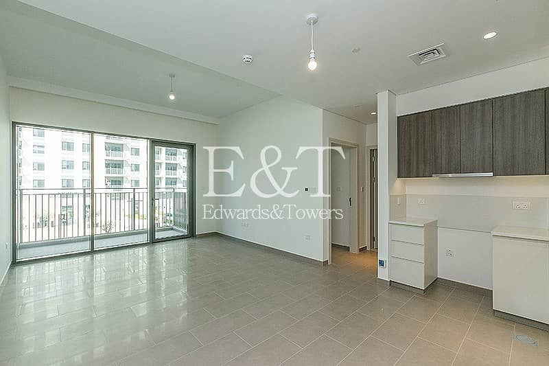 Open Plan  Living| Available| 1 BR Park Heights 1