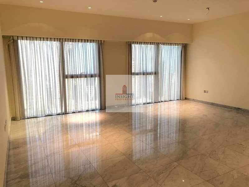 LARGE AND BRIGHT 1 B/R APARTMENT | SZR VIEW