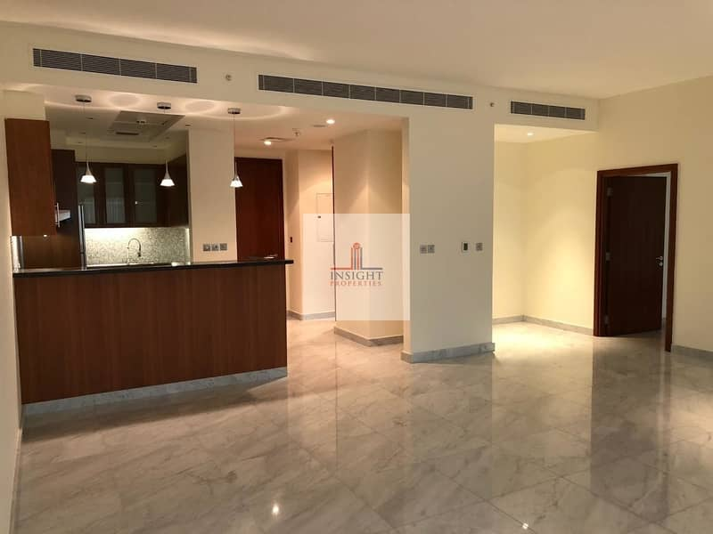 2 LARGE AND BRIGHT 1 B/R APARTMENT | SZR VIEW