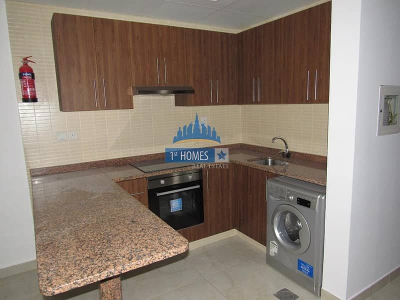 2 Bright Apartment I Kitchen Appliances included