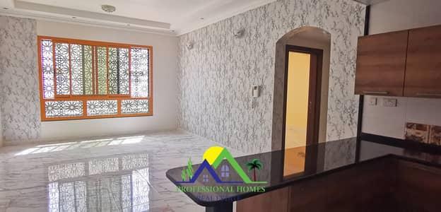 فلیٹ 2 غرفة نوم للايجار في المطارد، العین - Top Quality 2 BR Open Kitchen 3 Min To NMC