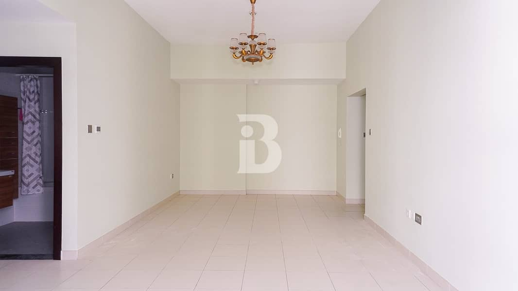 2 High floor well maintained 2 bed