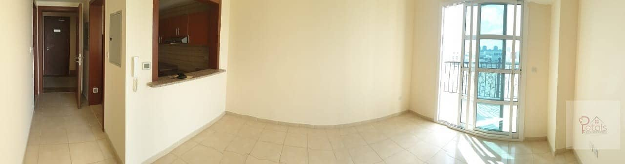 2 REDUCED PRICE IN 12 CHEQUES QASR SABAH 1B/ROOM WITH BALCONY\