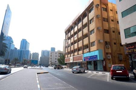 محل تجاري  للايجار في القاسمية، الشارقة - Huge Shop Ideal for Showroom Main Road