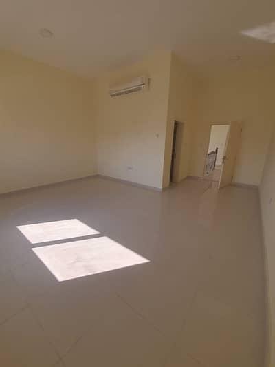 فیلا 6 غرف نوم للايجار في الرحمانية، الشارقة - فیلا في الرحمانية 7 الرحمانية 6 غرف 150000 درهم - 5057898