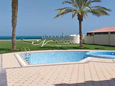 5 Bedroom Villa for Sale in Marina Village, Abu Dhabi - Prestigious and Luxurious w/ Pool & Sea Views