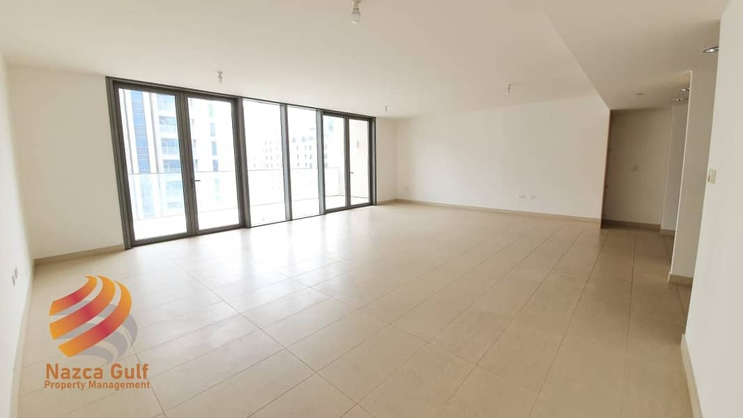 Beautifully Appointed 3 BR Duplex with Road View