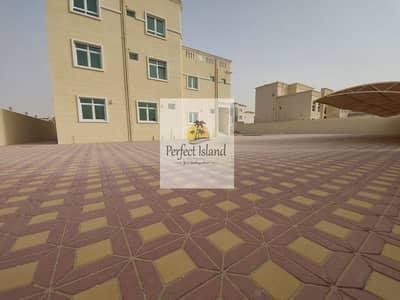 فيلا تجارية 11 غرف نوم للايجار في الشامخة، أبوظبي - Commercial Villa   Brand New   Lift   17 BR