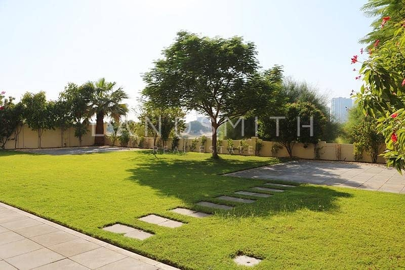2 Exclusive | Huge Plot | Golf Course View | Type B1