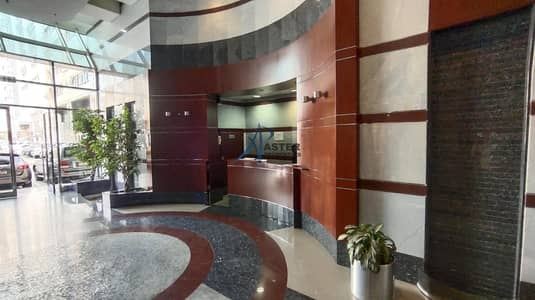 2 Bedroom Flat for Rent in Hamdan Street, Abu Dhabi - SPACIOUS 2 Bedroom + Maids room   and  clean and bright building