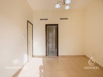 فلیٹ 2 غرفة نوم للايجار في المدينة العالمية، دبي - Spacious 2 Bed - Save 1 Month Rent - From Nakheel