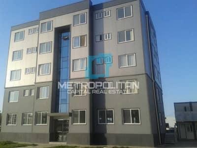 مبنى سكني  للبيع في مصفح، أبوظبي - Excellent ROI | 5 Floors|11 Shops| 20 Apartments