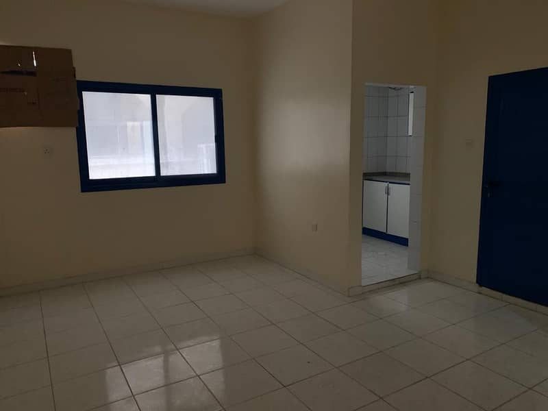 BIG SIZE STUDIO FLAT WITH SEPARATE KITCHEN 1 TO12 CHEQUES PAYMENT ONLY 10k