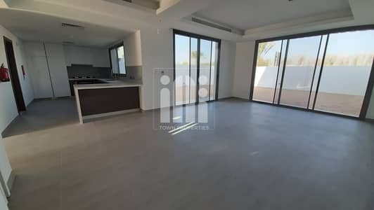 3 Bedroom Villa for Sale in Yas Island, Abu Dhabi - Own Your Town House 3 Br Ready To Move & 0% Commission Fees & Best Layout