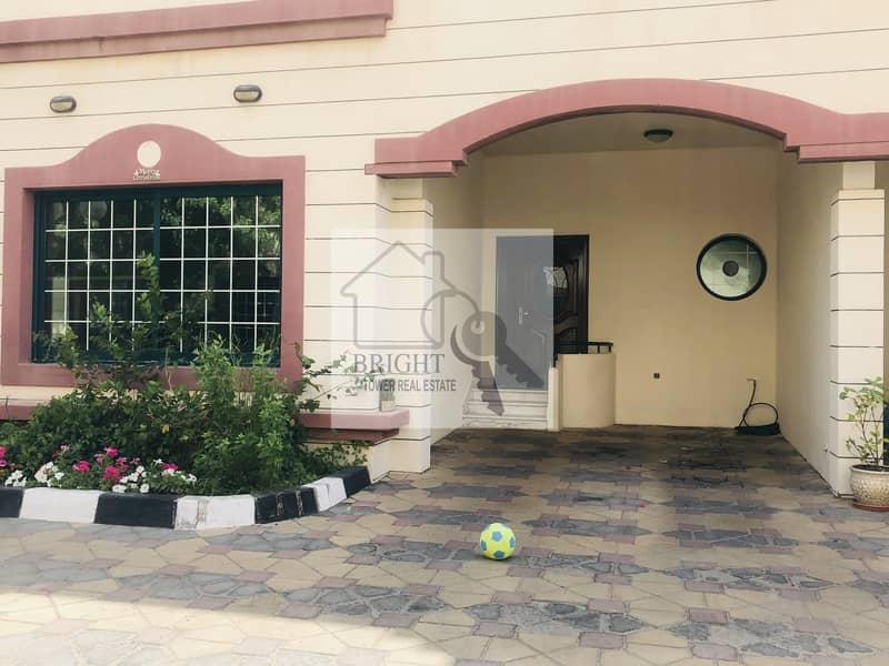 Spacious 5 Bedroom Villa In Compound Al Jhali