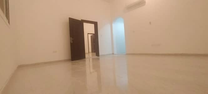 3 Bedroom Flat for Rent in Al Shamkha, Abu Dhabi - For rent in Al Shamkha, a luxurious 3-bedroom apartment / separate majlis / hall with a private roof / maid's room