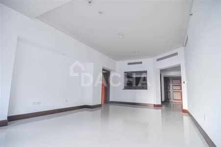 فلیٹ 2 غرفة نوم للايجار في نخلة جميرا، دبي - Unfurnished / Spacious / Street View