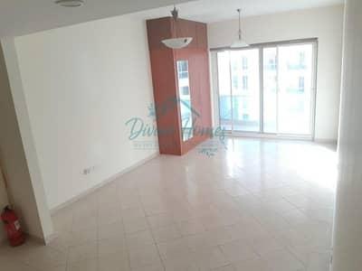 استوديو  للايجار في مدينة دبي للإنتاج، دبي - Studio Apartment With Parking